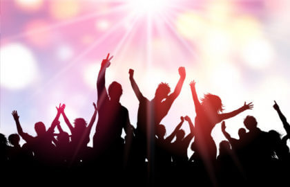 party-crowd-background_1048-7452